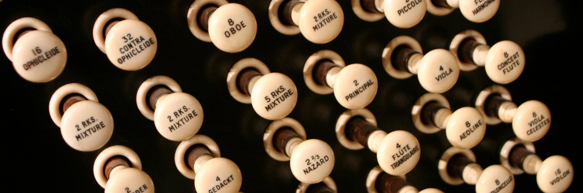 Lunchtime Organ Music: Stephen Moore